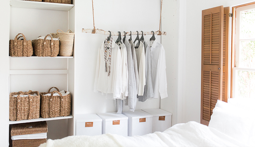 Weekend Favorites : storage as decor in the bedroom.