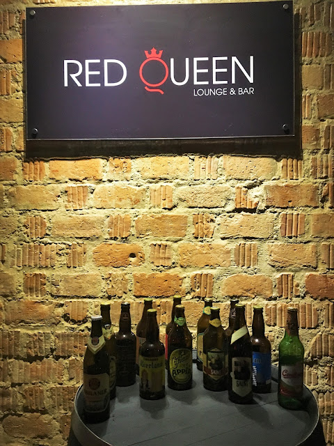 Cervejas gourmet no Red Queen Lounge e Bar