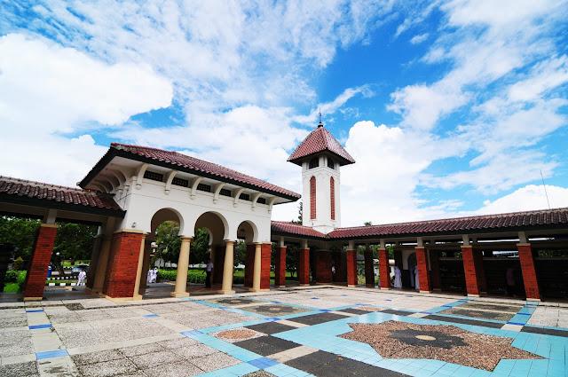 SMA Dwi Warna Islamic Boarding School Terbaik