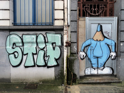 pictures of graffitis and tags in the streets of brussels