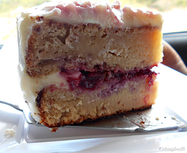 cream cheese red fruit cake