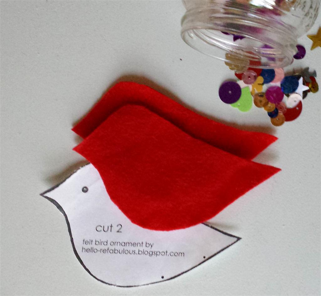 Lantejoulas e feltro para ornamento de pássaro vermelho, de refabulous