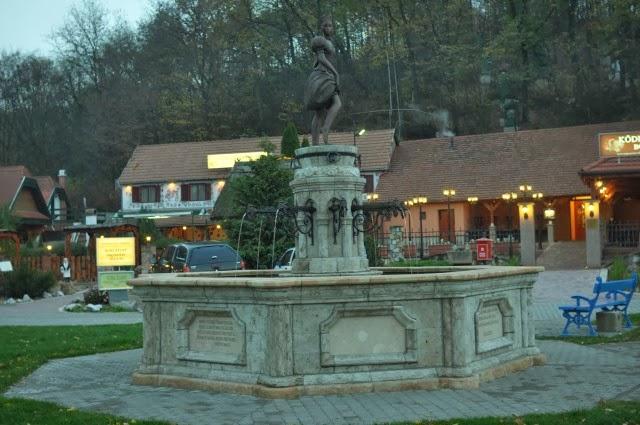 Dolina Pięknej Pani, Ciekawe miejsca w Egerze, Wino
