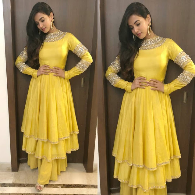Sonal Chauhan Picks up a Yellow Attire for Iftaar Party
