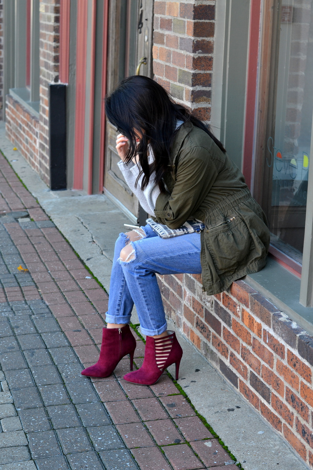 Boyfriend Jeans_Ripped Denim_Fall Booties