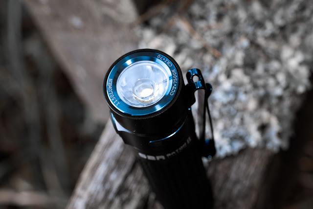Koronka chroniąca reflektor w latarce Olight S2R BatonII