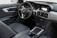 New 2012 Mercedes Benz GLK X204 FaceLift Interior Cockpit Original High Resolution Picture
