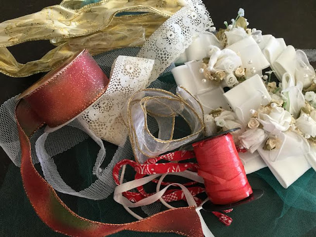 ribbons and bows for homemade gift wrap