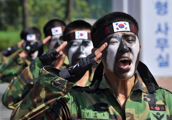 Resultado de imagen de militares corea del sur
