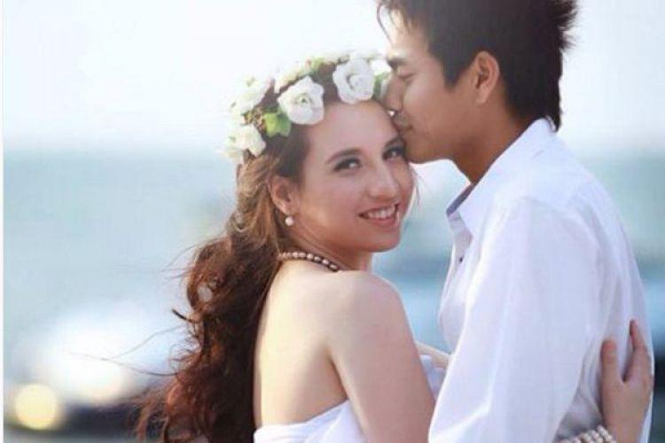 foto-foto cantik Istri Tontowi Ahmad,Michelle Harminc