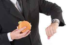 Kesan Buruk Makan Terlalu Cepat