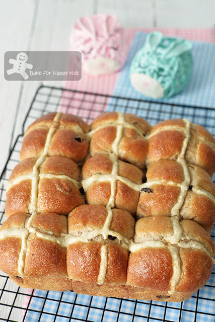 super soft moist hot cross buns