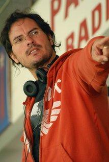 Carlos Cuarón. Director of And Your Mother Too (Y tu Mama Tambien)