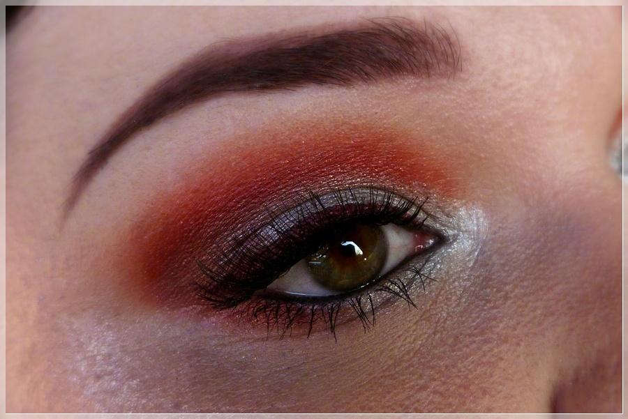 red grey smokey eye make up