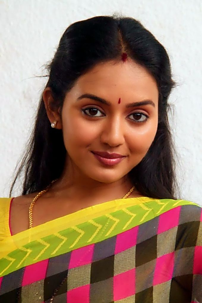 Vidya pradeep tamil actress as a housewife for Indian hot house