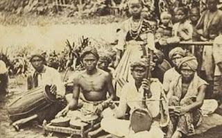 5 Pertunjukan Seni Tradisional Indonesia yang Hampir Punah