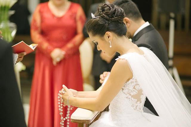 casamento real, rafaela e lucas, decoração verde e branco, áster, liziantus, igreja Nossa Senhora do Perpétuo Socorro, fé, noivos, religião