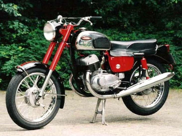 44 साल बाद वापसी कर रही है जावा कंपनी, 15 नवंबर को भारत में पेश करेगी 3 मोटरसाइकिल