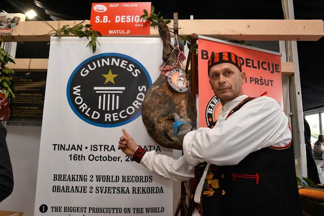 Najveći pršut na svijetu od 22.425 kg čiste sorte Durok uzgojenom za pršutanu 'Baba delicije'