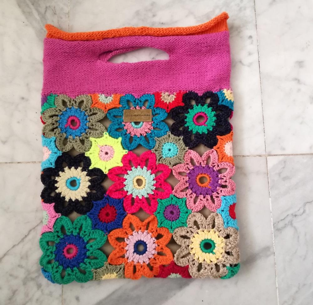 Craftrebella: Crochet Flower Beach Bag
