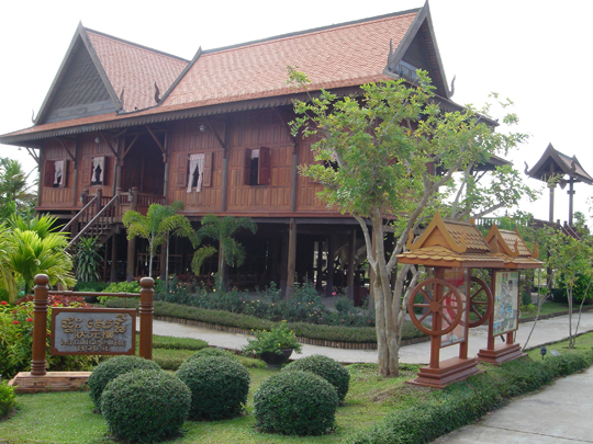Khmer in guest house - 4 9