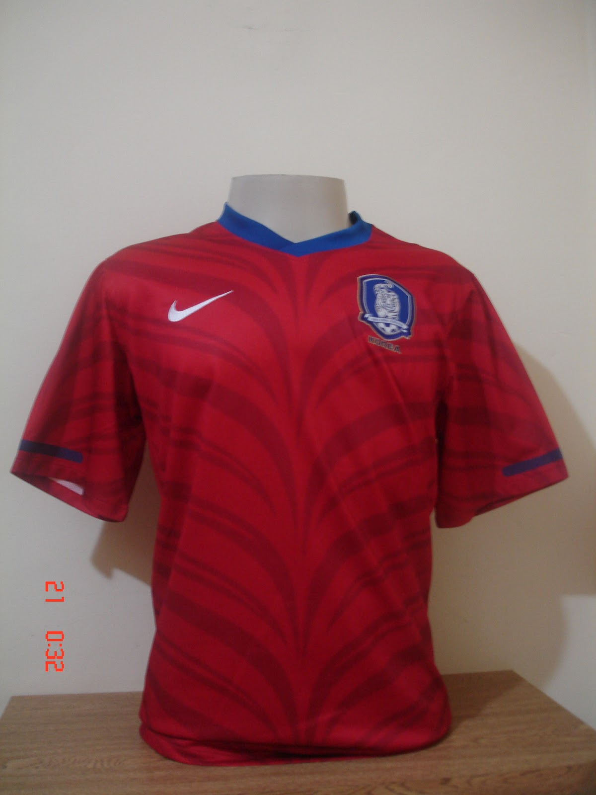 Ela é a camisa mais bonita do Corinthians de todos os tempos. A camisa foi  feita em homenagem ao Torino da Itália 524cb5c8cb76b