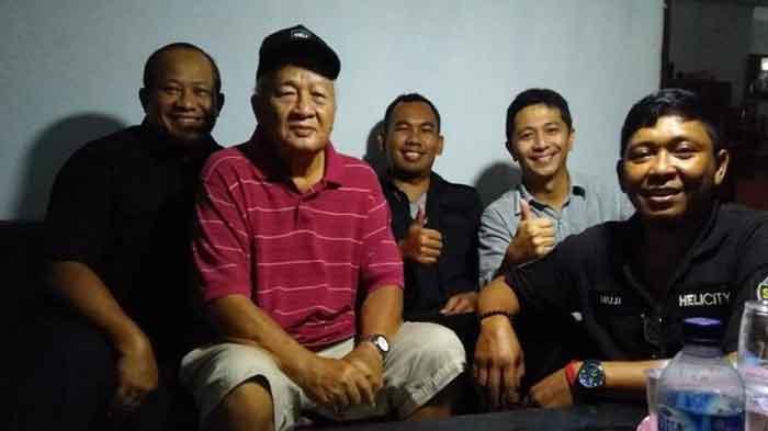 Inilah Sosok Bapak yang Mirip dengan Soeharto di KRL