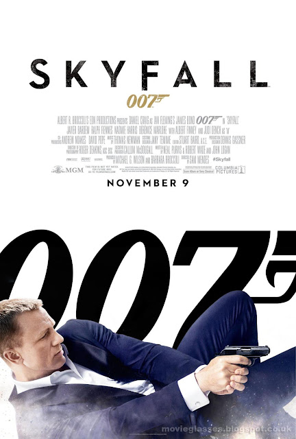 Daniel Craig as James Bond in Skyfall - Large Movie Poster