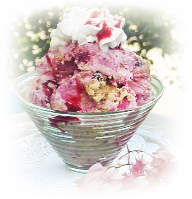 blackberry-ice-cream-sundae