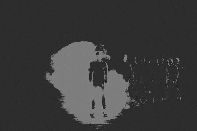 Dzięki za wszystko. Fotograficzna interpretacja tekstu Bartosza Kloska. Koncepcyjna fotografia portretowa. Fotografia odklejona. fot. Łukasz Cyrus