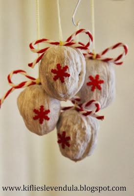 Giocabosco creare con gnomi e fate addobbi natalizi con noci for Gnomi di stoffa fai da te
