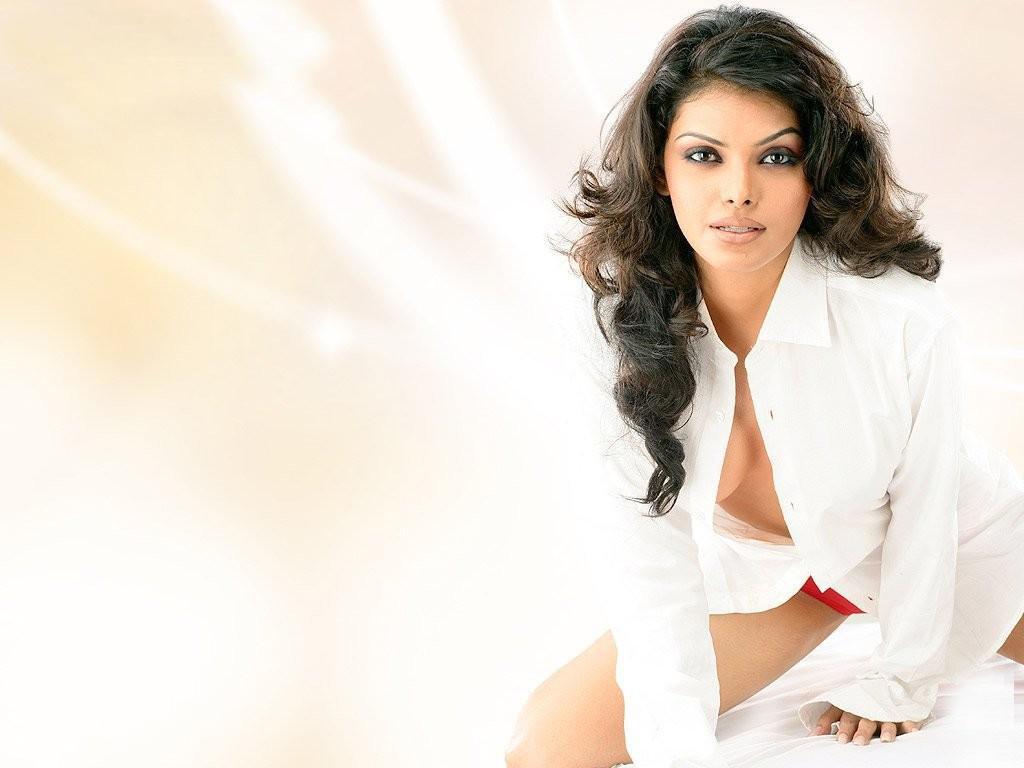 Indian Hot Girl Sherlyn Chopra  Bollywood Stars Fashion -6023