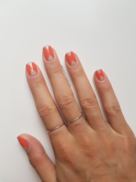 Double Triangle Nail Art