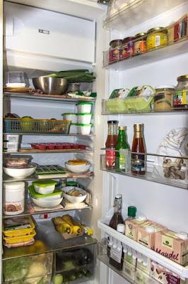pixabay.com/en/refrigerator-icebox-food-cold-1809344