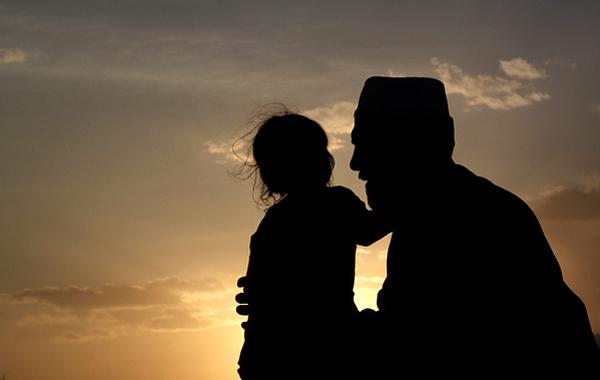 Inilah Rahasia Besar Seorang Ayah yang Jarang Diketahui Oleh Anak-Anaknya