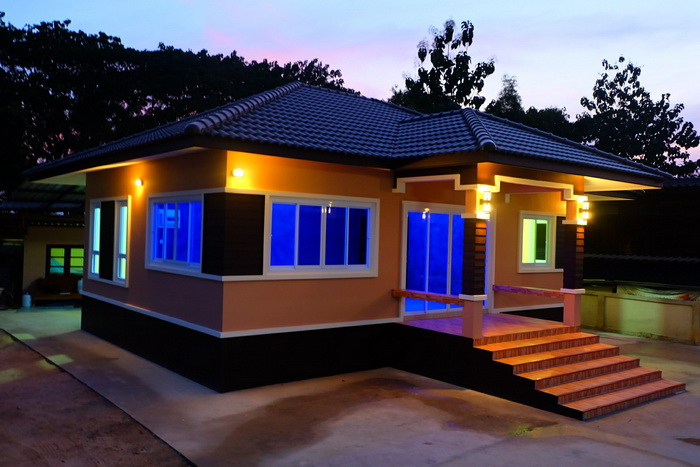 Numbers of beautiful house designs around the world are endless. It could be a beautiful small house design, a new build house design, a bungalow house design and so on. There are a lot of modern houses that we love. Here in the Philippines, since the price of affordable living homes is increasing, you may choose to construct your own home and design your own house floor plans.  With a help of floor planner, designing floor plans is an easy task. But if you want your house to stand out in the neighborhood, make sure the facade is gorgeous and eye-catching. Looking for some inspiration? Scroll down below to see this 50 photos of beautiful single story houses.