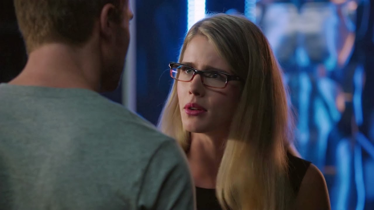 Felicity finds out oliver is arrow