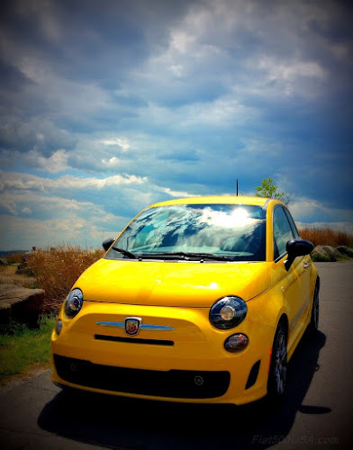 Fiat 500 Abarth in Modern Pearl Yellow
