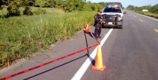 Hallan otro cuerpo embolsado en autopista Raudales-Ocozocoautla -Las Choapas