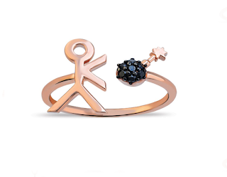 This fabulous and funny ring is currently 37% off from Aamaya by Priyanka. I absolutely love her jewellery especially this with it's sense of movement and comic stylisation. It's made of 18ct rose gold vermeil and the bomb is made of black onyx stones.