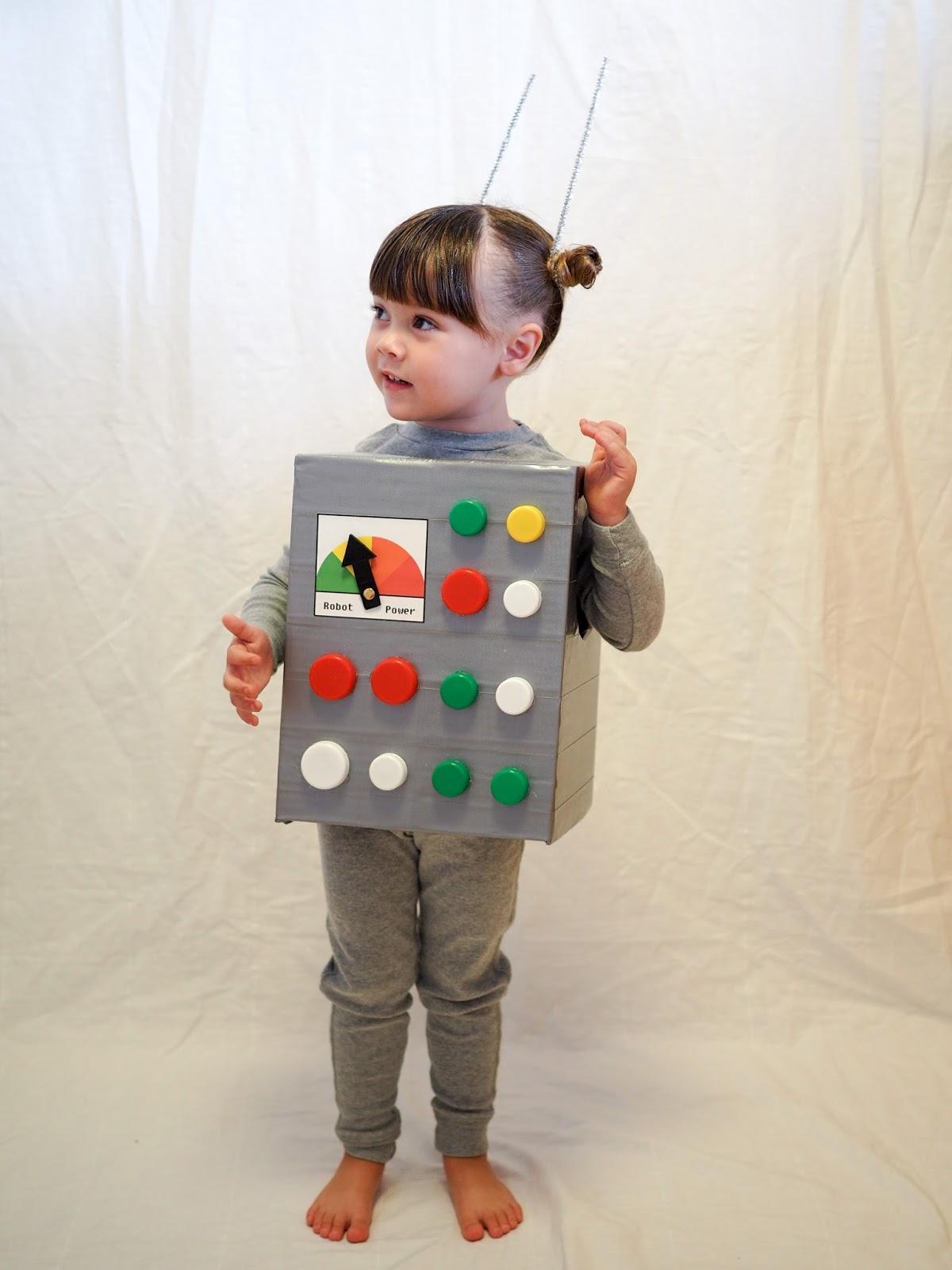Costume Halloween Robot.Little Hiccups Last Minute Halloween Diy Robot Costume