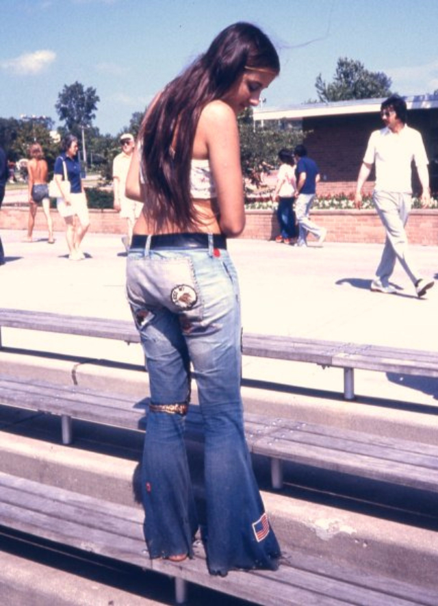 Sunny Days, Girls And Blue Jeans Patches In The 1970S -9966