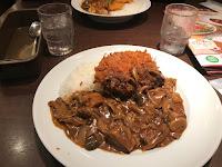 Plato de Curry en Restaurante Coco