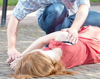 Tìm hiểu về triệu chứng đau đầu dữ dội, chóng mặt, tê tay