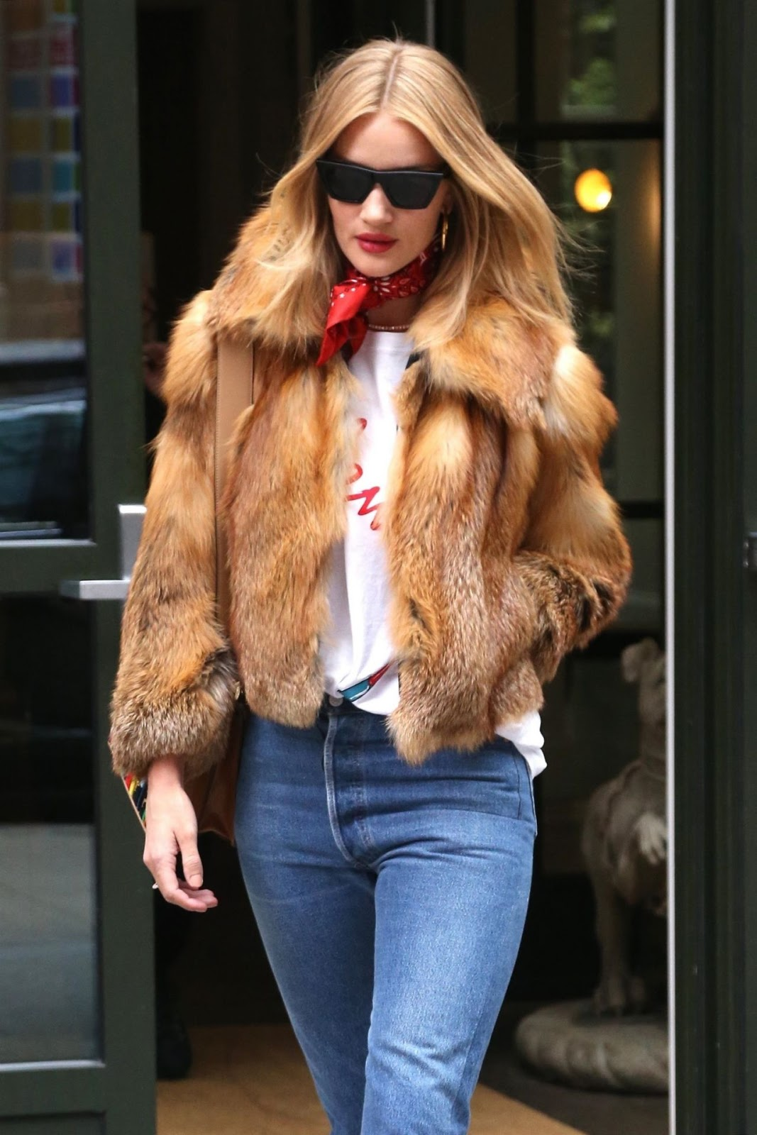 Rosie Huntington-Whiteley – Street Fashion in New York