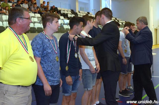 A szezonban több különdíjat is kaptak a DEAC játékosai. A megyei I. osztály U19-es bajnokságában 3. helyezést ért el a góllövőlistán Tóth Csaba 23 találattal. A megyei II. osztály déli csoportjának U19-es bajnokságában 4. helyezést ért el a góllövőlistán Bács Zalán 35 találattal, az északi csoportban pedig gólkirály lett Molnár Zsolt 70 találattal.