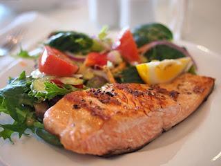 Gericht mit Lachs