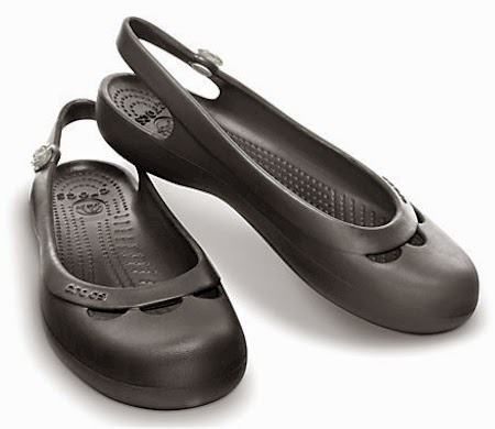 df63bc6f0a593a Daily Cheapskate  30% off on select Crocs and free shipping with no ...