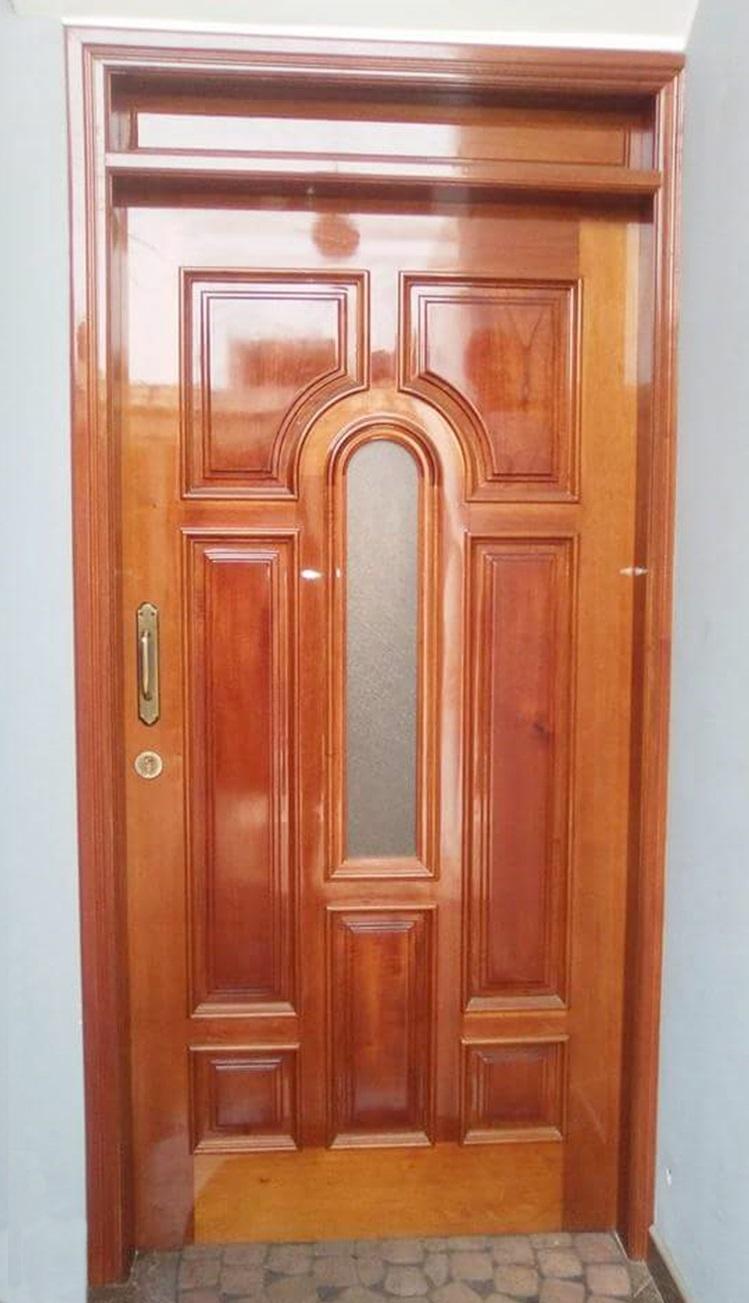 Puerta de madera para exteriores en Los Olivos | Carpintero en Lima