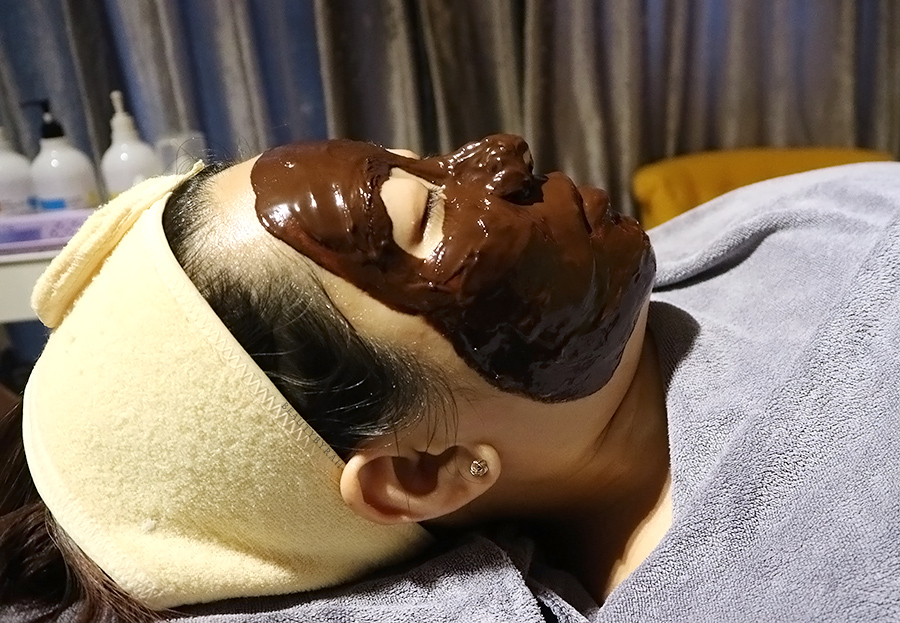 J Studios Bernard Cassiere Chocolate Anti-Stress Facial Review